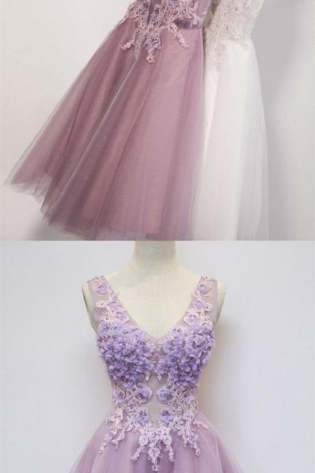Modern V-Neck Sleeveless Short Lilac Homecoming Cocktail Dress with Appliques