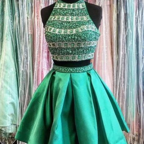 Chic Halter Sleeveless Short Prom/Homecoming Dress with Beading Pleats