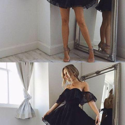 A-Line Off-the-Shoulder Short Pearl Black Lace Homecoming Dress