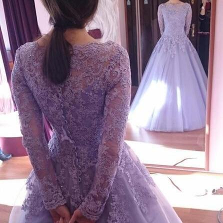 2017 Spring Crystals Long Sleeves Beaded Applique Scoop Tulle Ball Gown Wedding Dresses